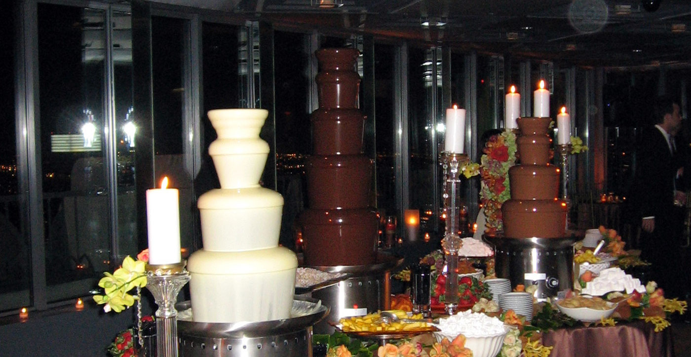 DCF-chocolate-fountain_rainbow-wide-1400px