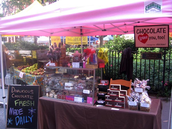 J_Lo_chocolate_farmers_market_stand2